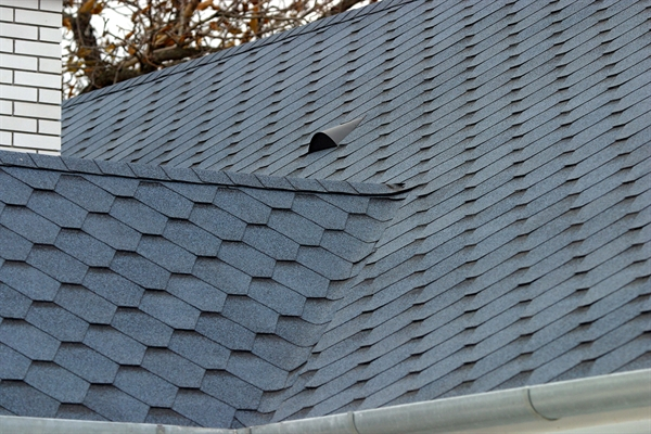 verwezen dakbedekking
